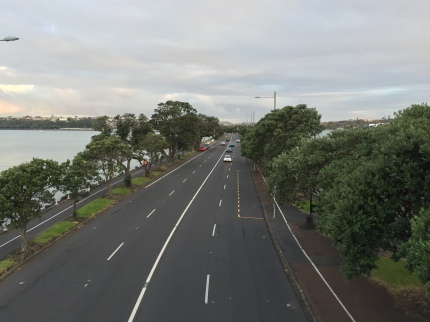 Highway that runs east along the southern shore of the harbor