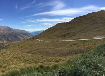 The windy cliffside road to Queenstown