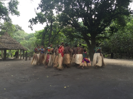 The local ni-Vanuatu did some kustom dances for us.